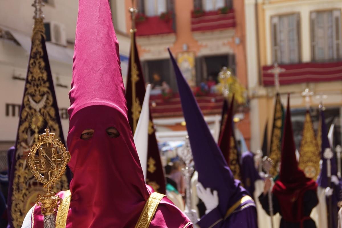 Semana Santa w Hiszpanii. Kim są zakapturzeni pokutnicy?
